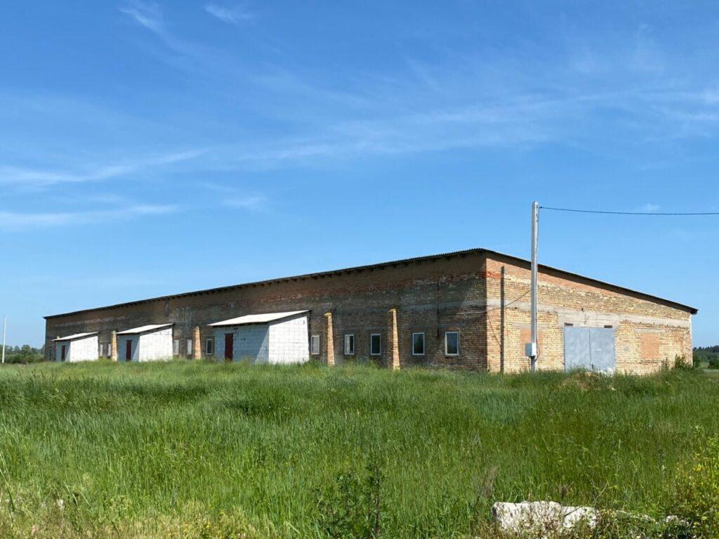 Продам ферму (птичник) Макаровский район с.Королевка – 1362 кв.м.