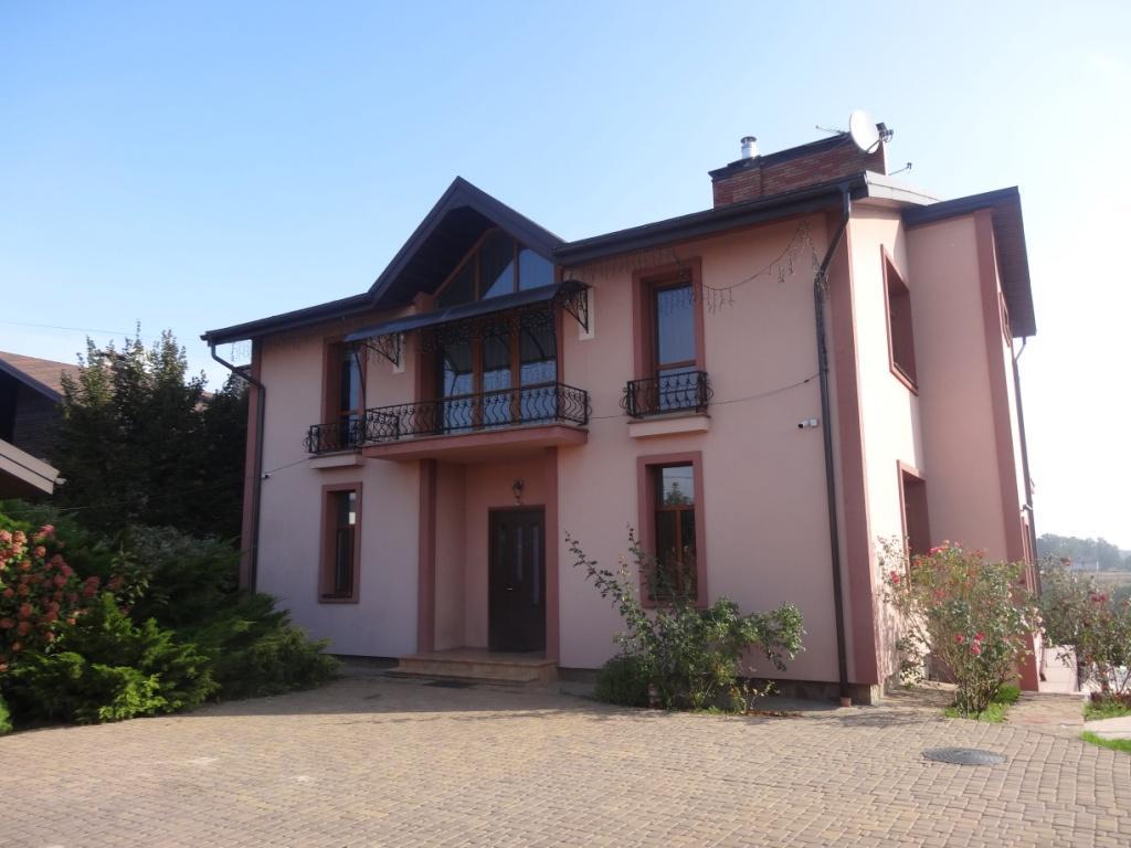 Продам дом Киево — Святошинский район с.Лесники – 500 кв.м.
